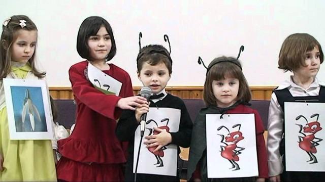 Serbare Gradinita Speranta Targoviste  8 Martie 2012