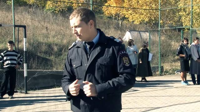 Scoala Dr. Lind, Pompierii I.G.S.U, exercitiu