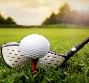 Golf-ball-on-the-green-grass