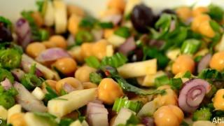 Salată de năut cu țelină
