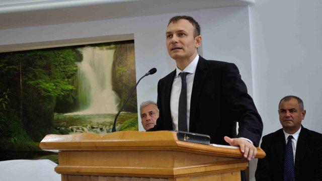 """""""…sfinţească-se Numele Tău;…"""" – Mihai Miron"""