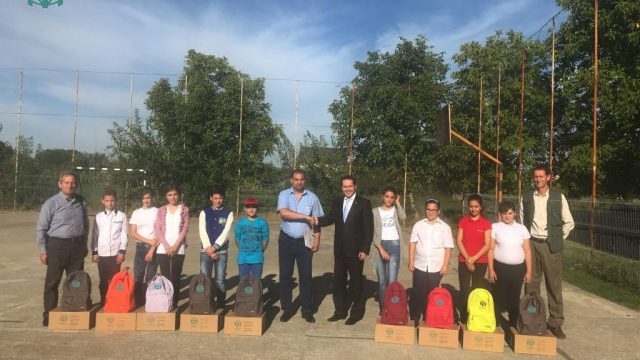 """Împreună orice obstacol poate fi depășit! – Debut de an """"Vreau la școală!"""" 2018 – 2019 pentru ADRA România"""