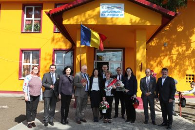 VREAU LA ȘCOALĂ! – UN PROIECT ADRA ROMÂNIA SUSȚINUT DE CĂTRE JONATHAN DUFFY, PREȘEDINTE ADRA INTERNAȚIONAL