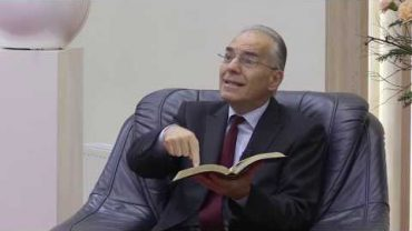 Tinerii îl întreabă pe Pastorul Cristescu partea 1